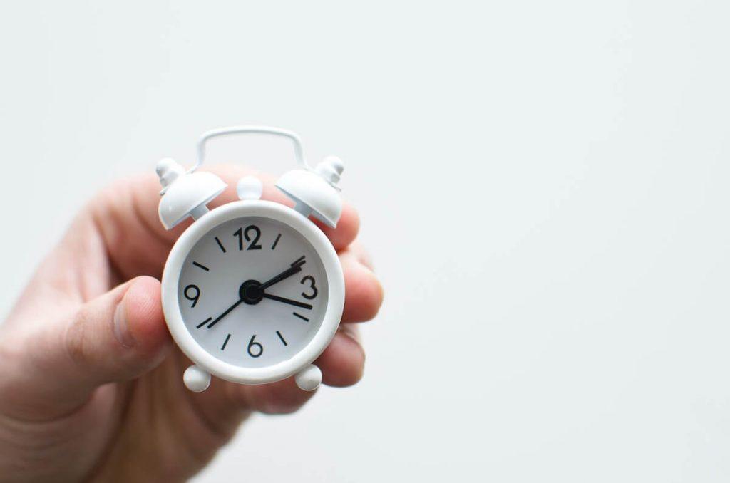 significado de soñar con alarma reloj