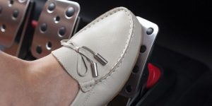 soñar con el pedal de aceleración